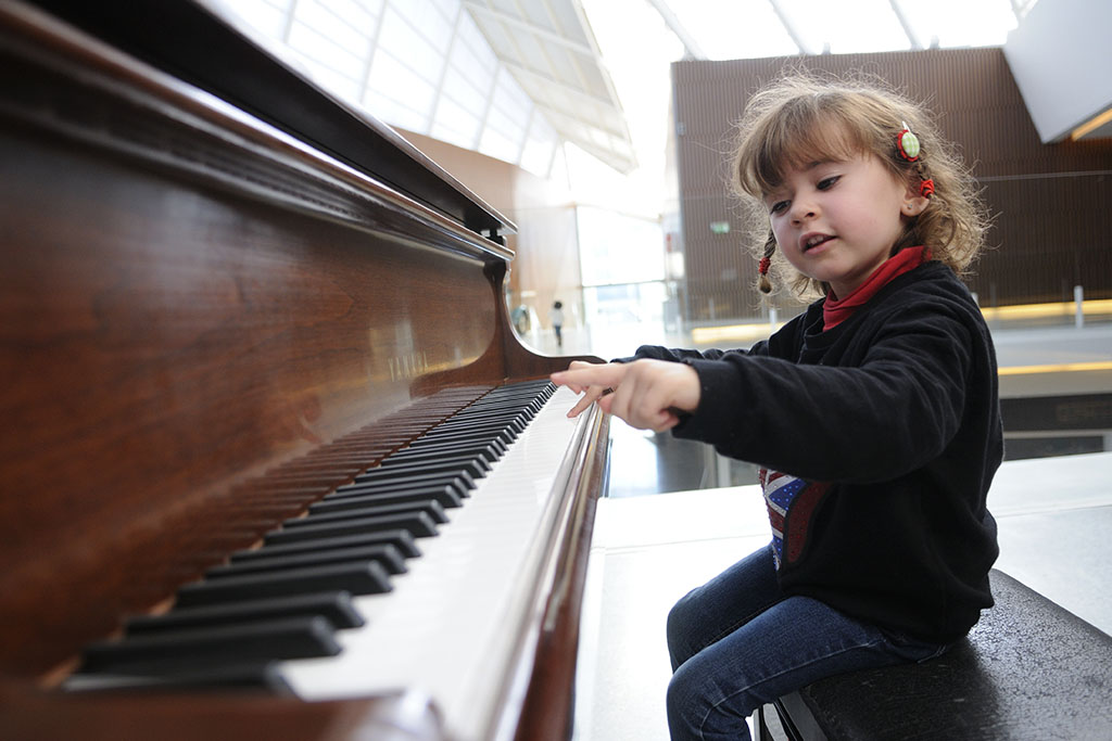How to Choose the Right Piano Instructor for Your Child